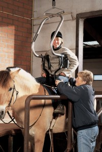 surehands_tilbeugel_op_paard.jpg
