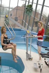 tilbeugel_aan_zwembadlift.jpg