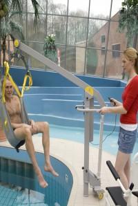 verrijdbare_lift_voor_zwembad.jpg